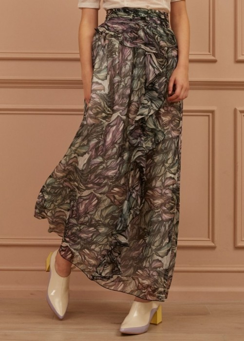 오픈더커튼 까이에 Embellished Ruffled Botanical Print Silk Skirt